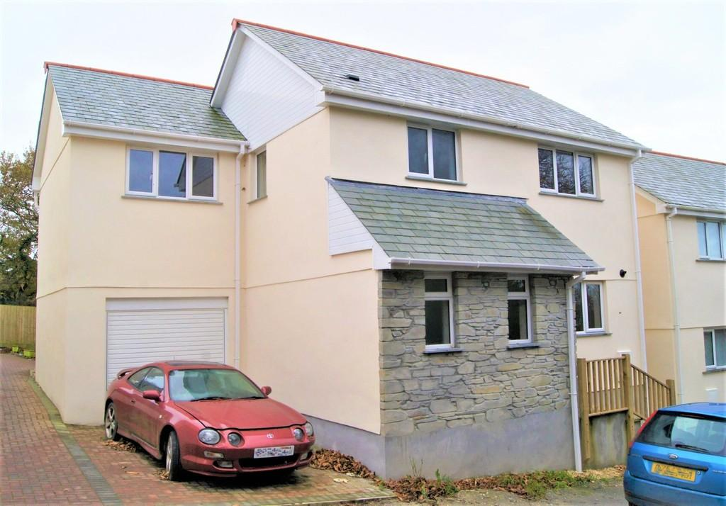 4 Bedrooms Detached House for sale in Callington