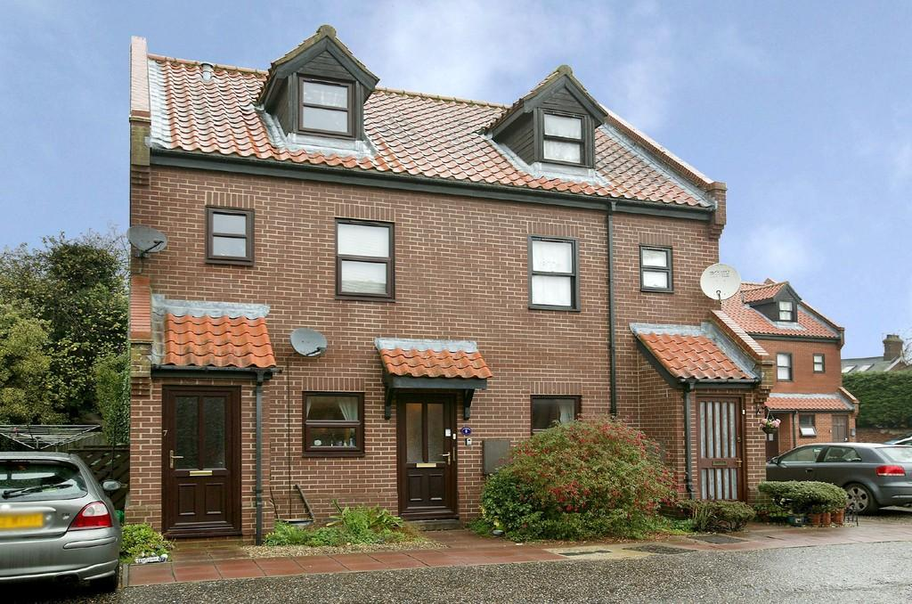 2 Bedrooms Apartment Flat for sale in Oldfield Court, Dereham