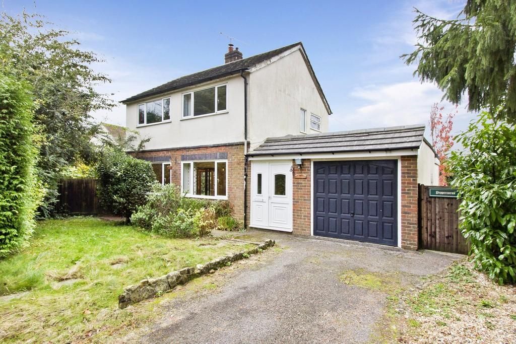4 Bedrooms Detached House for sale in St John's Road, Crowborough