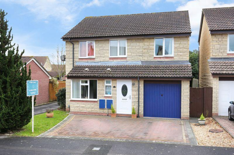 4 Bedrooms Detached House for sale in Speedwell Close, Trowbridge