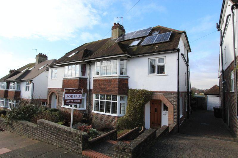 4 Bedrooms Semi Detached House for sale in Friar Crescent, Brighton
