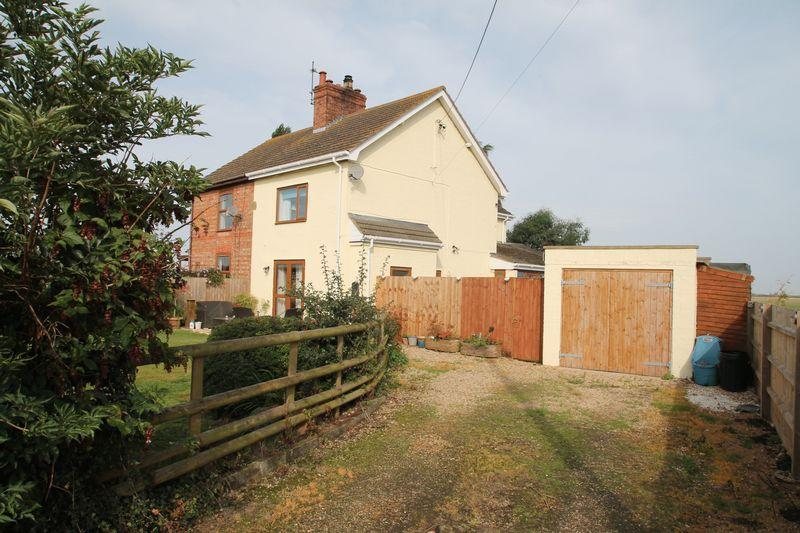 3 Bedrooms Semi Detached House for sale in Iron Bar Drove, Spalding