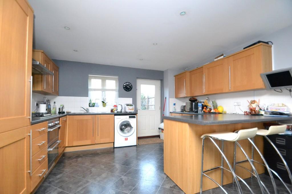4 Bedrooms Detached House for sale in Plummers Dell, Ipswich, IP6 0HW