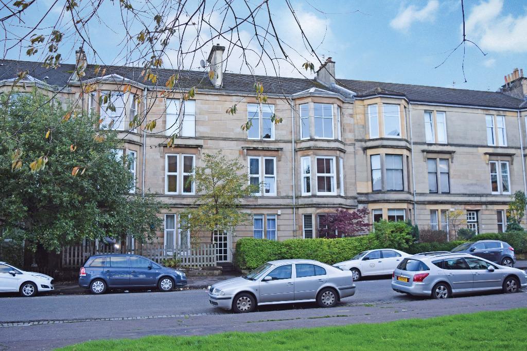2 Bedrooms Flat for sale in Leslie Street , Flat 1/1 , Pollokshields, Glasgow , G41 2LQ