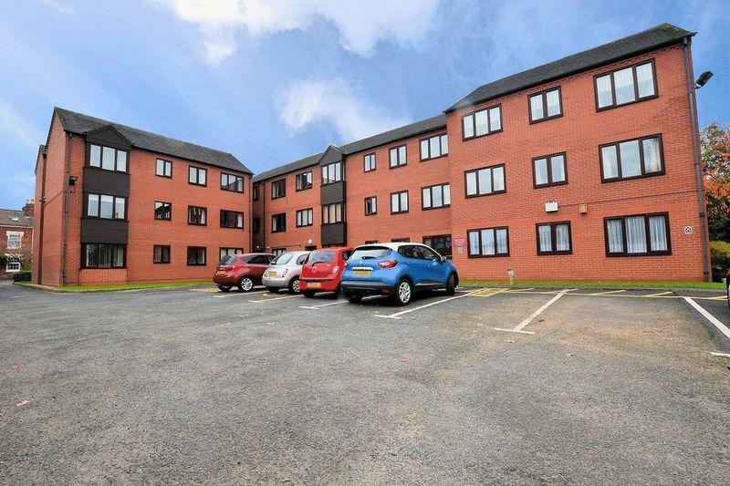 2 Bedrooms Ground Flat for sale in Serpentine Road, Harborne