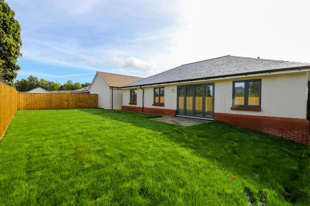3 Bedrooms Detached Bungalow for sale in The Rowan, WestClyst, Exeter
