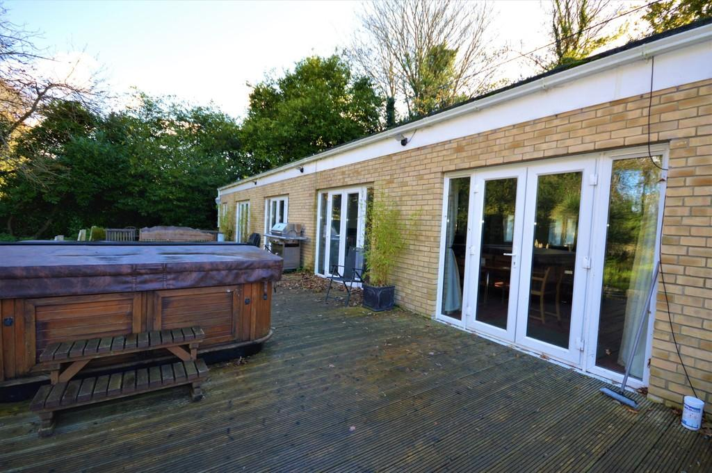 3 Bedrooms Detached Bungalow for sale in Shanklin Road, Sandford