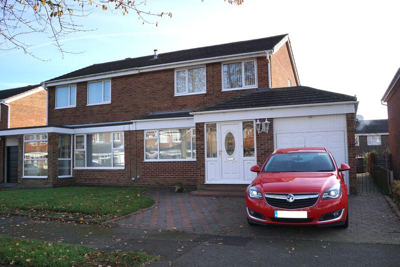 3 Bedrooms Semi Detached House for sale in Walden Close, Ouston