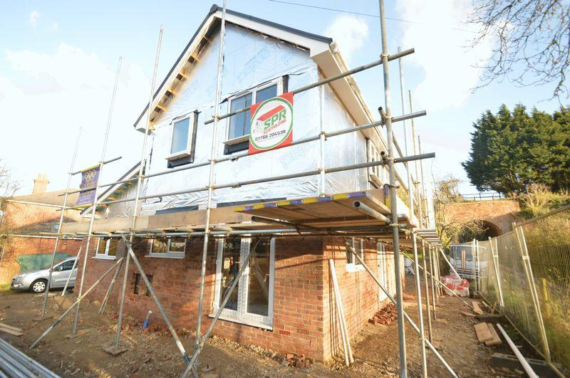 4 Bedrooms Detached House for sale in WROXALL