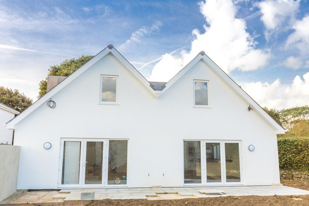 4 Bedrooms Semi Detached House for sale in Baubigny Road, St. Sampson, Guernsey