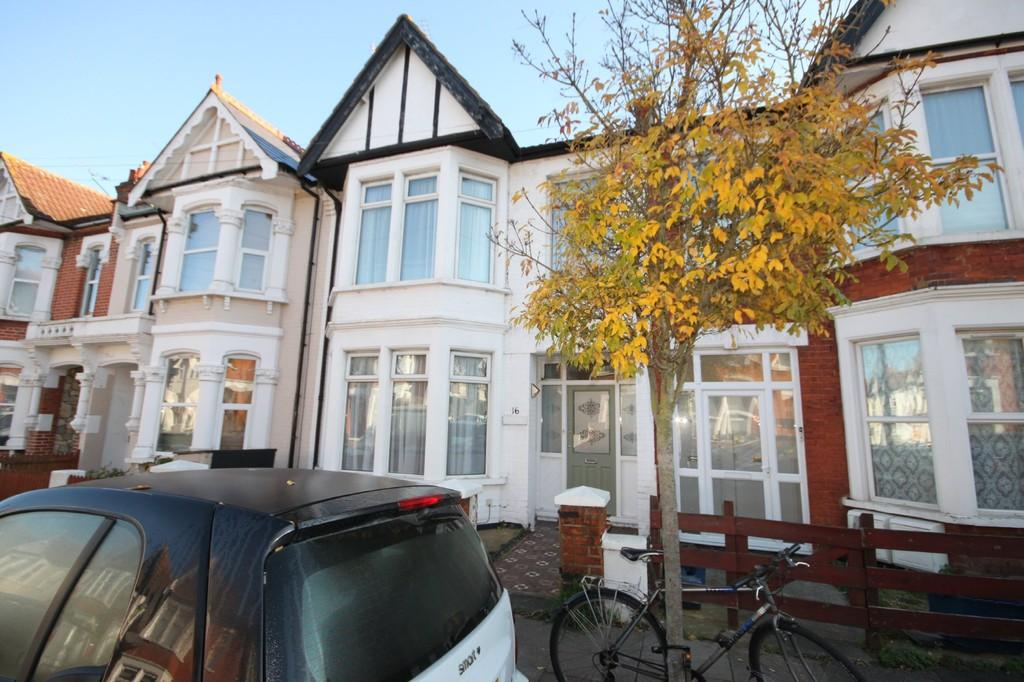 3 Bedrooms Terraced House for sale in Hainault Avenue, Westcliff-on-Sea