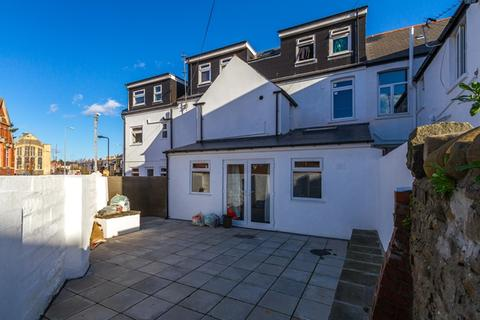 8 bedroom terraced house to rent - Cathays Terrace, Cathays, Cardiff, CF24 4HW