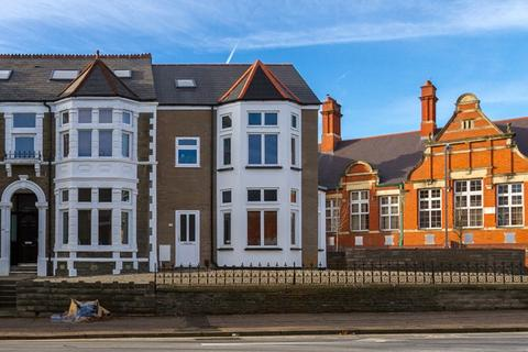 9 bedroom terraced house to rent - Cathays Terrace, Cathays, Cardiff, CF24 4HW