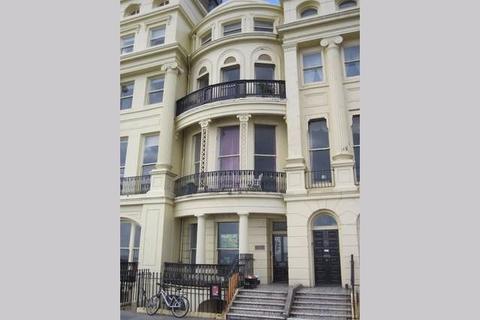 Studio to rent - Brunswick Terrace, Hove BN3