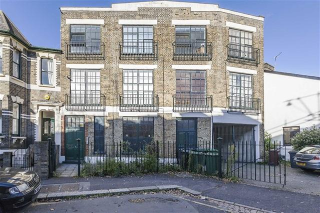 1 Bedroom Flat for sale in St Mary Road, Walthamstow