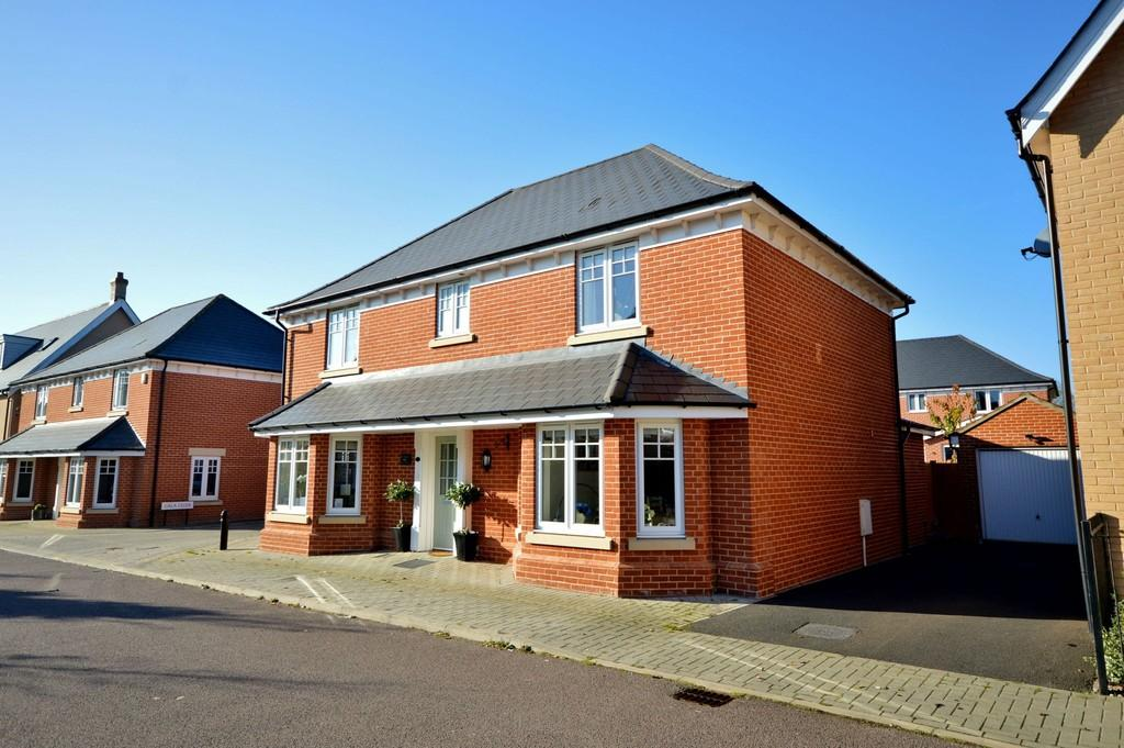 4 Bedrooms Detached House for sale in Braeburn Road, Great Horkesley