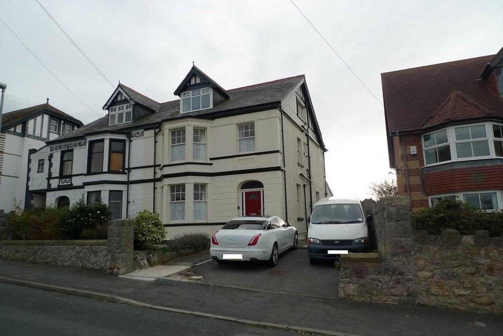 6 Bedrooms Semi Detached House for sale in Nant Y Gamar Road, Craig Y Don