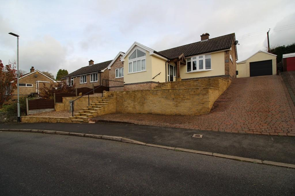 3 Bedrooms Detached Bungalow for sale in King Richards Hill, Whitwick