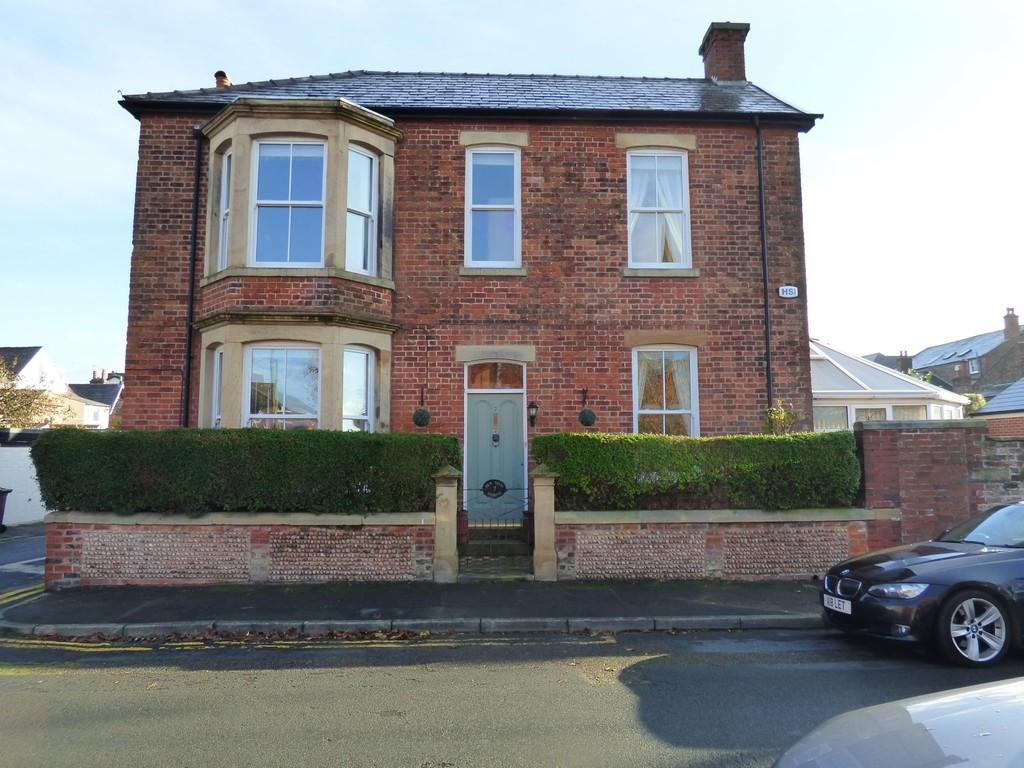 4 Bedrooms Detached House for sale in St Johns Street, Lytham