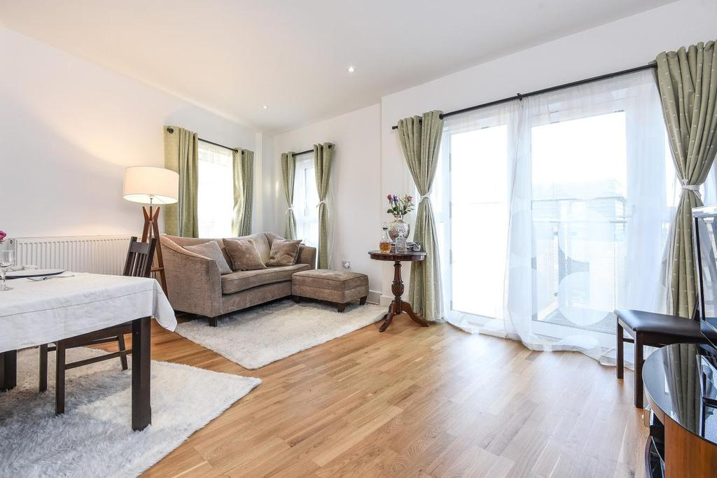 2 Bedrooms Flat for sale in Dragmore Street, Clapham