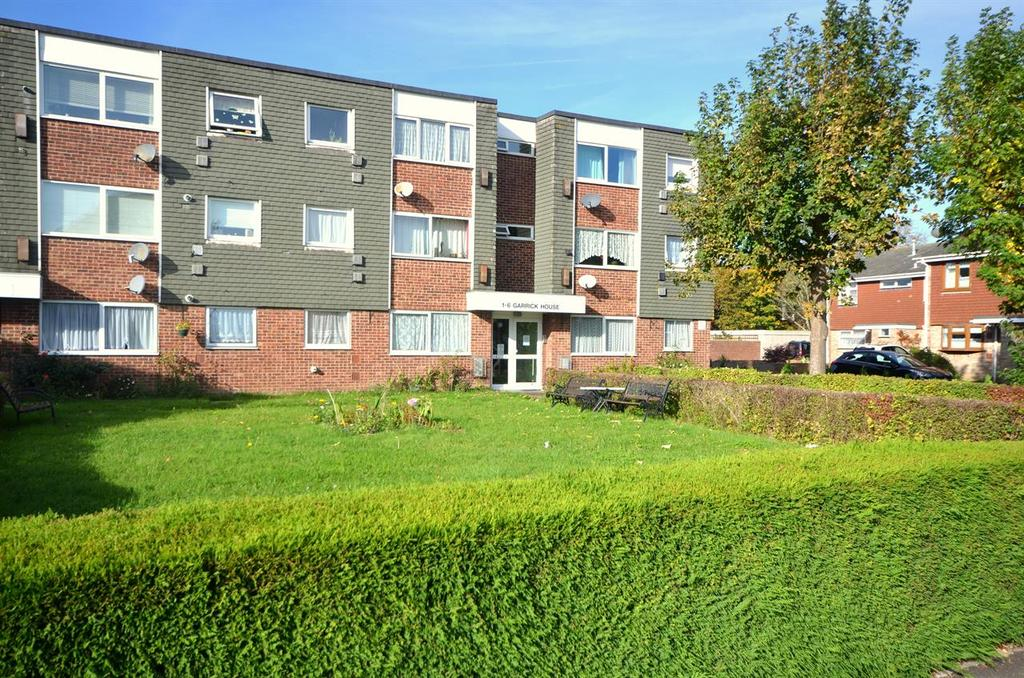 2 Bedrooms Flat for sale in The Ridings, Portsmouth