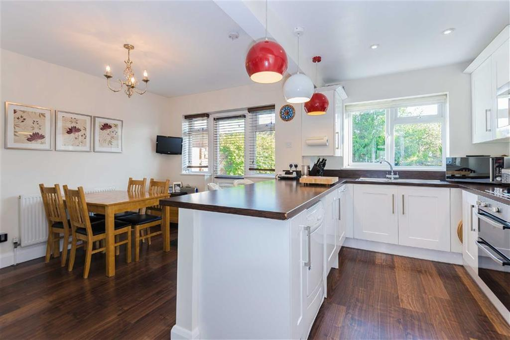 3 Bedrooms Semi Detached House for sale in Collins Drive, Eastcote, Middlesex