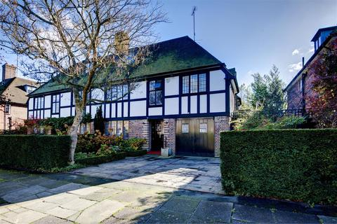 5 bedroom cottage for sale - Southway, NW11