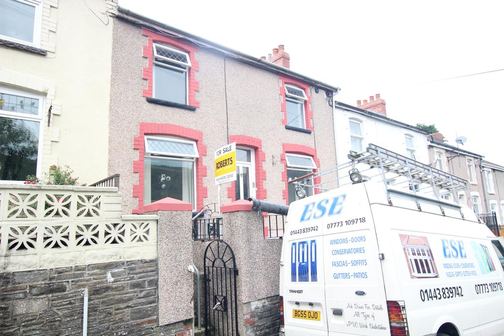3 Bedrooms Terraced House for sale in Fothergills Road, New Tredegar NP24