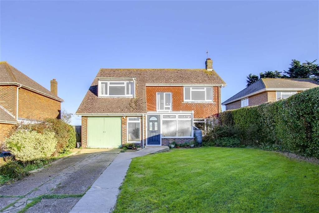 3 Bedrooms Detached House for sale in South Way, Seaford