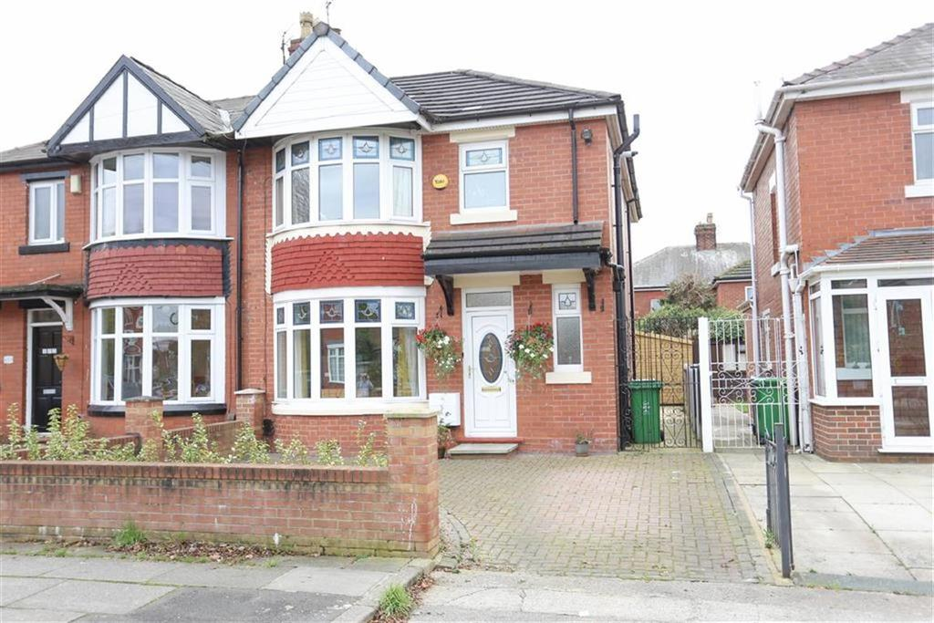 3 Bedrooms Semi Detached House for sale in Cringle Road, Levenshulme, Manchester