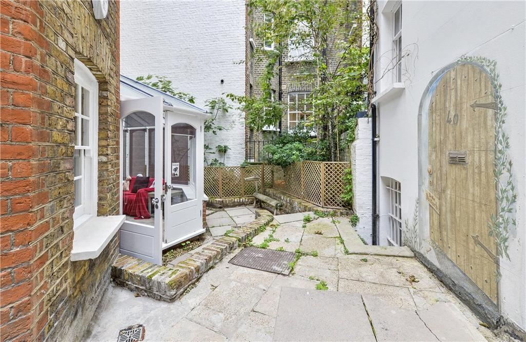2 Bedrooms Maisonette Flat for sale in Mount Carmel Chambers, Dukes Lane, London, W8