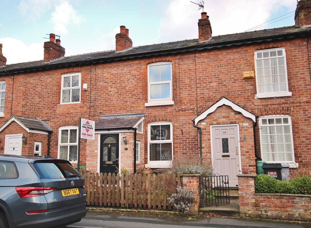 2 Bedrooms Terraced House for sale in Park Road, Wilmslow