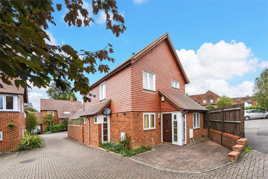 3 Bedrooms Detached House for sale in Amberley Mews, Amery Hill, Alton, Hampshire