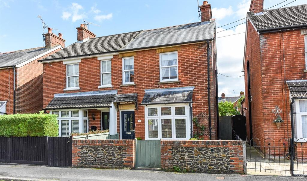 2 Bedrooms Semi Detached House for sale in Kingsland Road, Alton, Hampshire