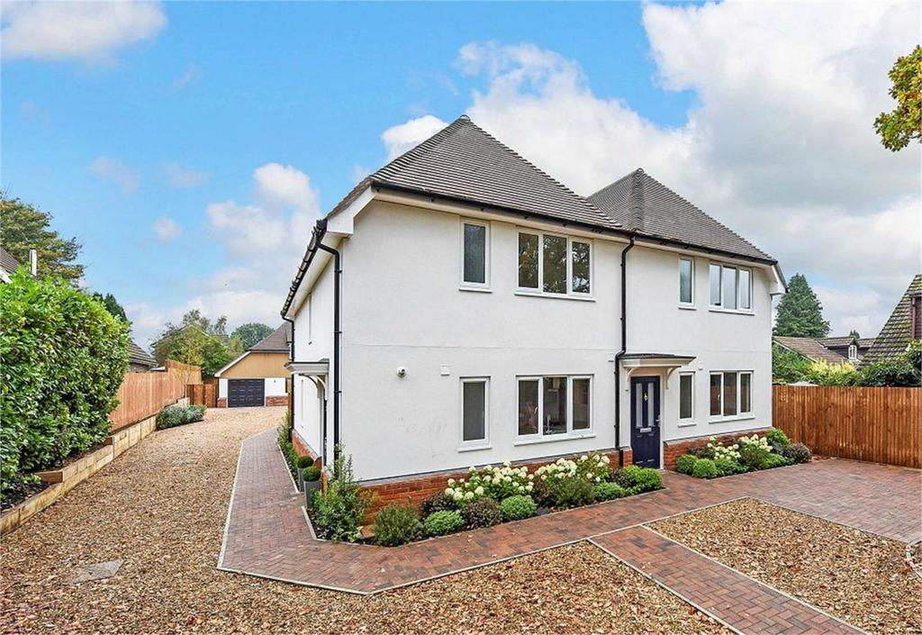 2 Bedrooms Semi Detached House for sale in Winchester Road, Four Marks, Alton, Hampshire