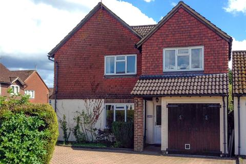 4 bedroom detached house for sale - Vindomis Close, Holybourne