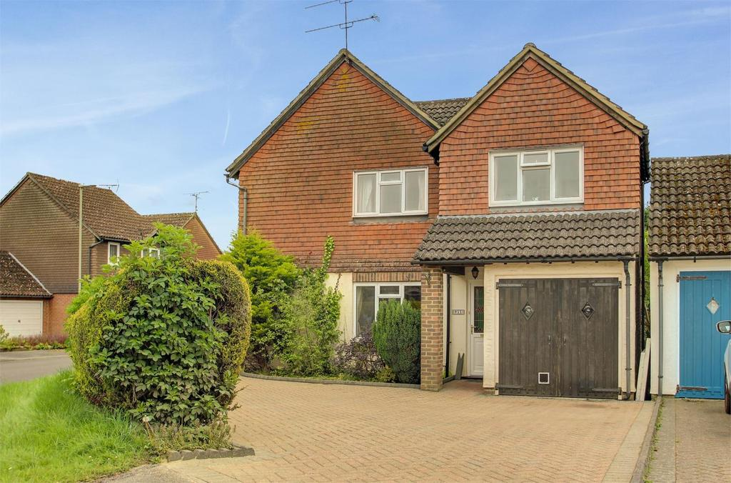 4 Bedrooms Detached House for sale in Vindomis Close, Holybourne
