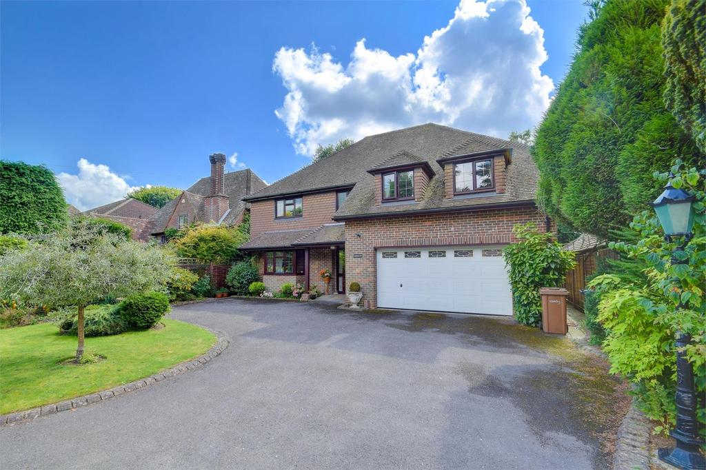 4 Bedrooms Detached House for sale in Highfield Crescent, Hindhead