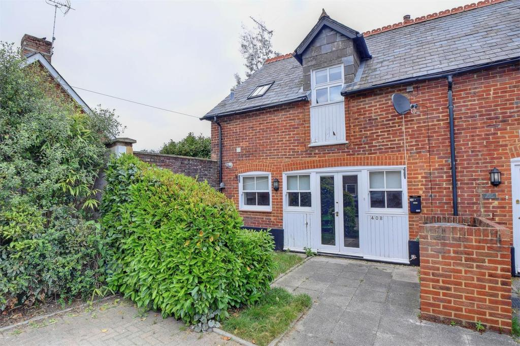 2 Bedrooms Semi Detached House for sale in Lyme Cottage, 40b, Station Road, Liss