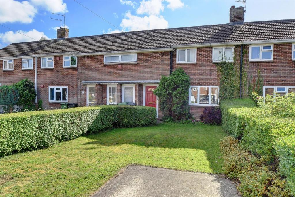 3 Bedrooms Terraced House for sale in Queens Road, Petersfield, Hampshire