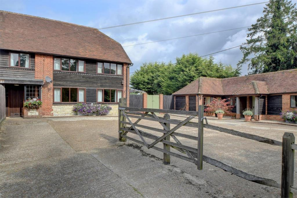 4 Bedrooms Barn Conversion Character Property for sale in Torberry Farm, Hurst, Petersfield, West Sussex