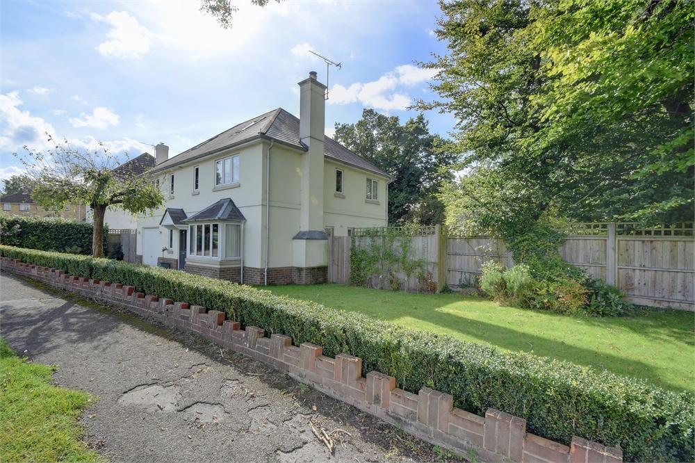 5 Bedrooms Detached House for sale in Heathfield Road, Petersfield, Hampshire
