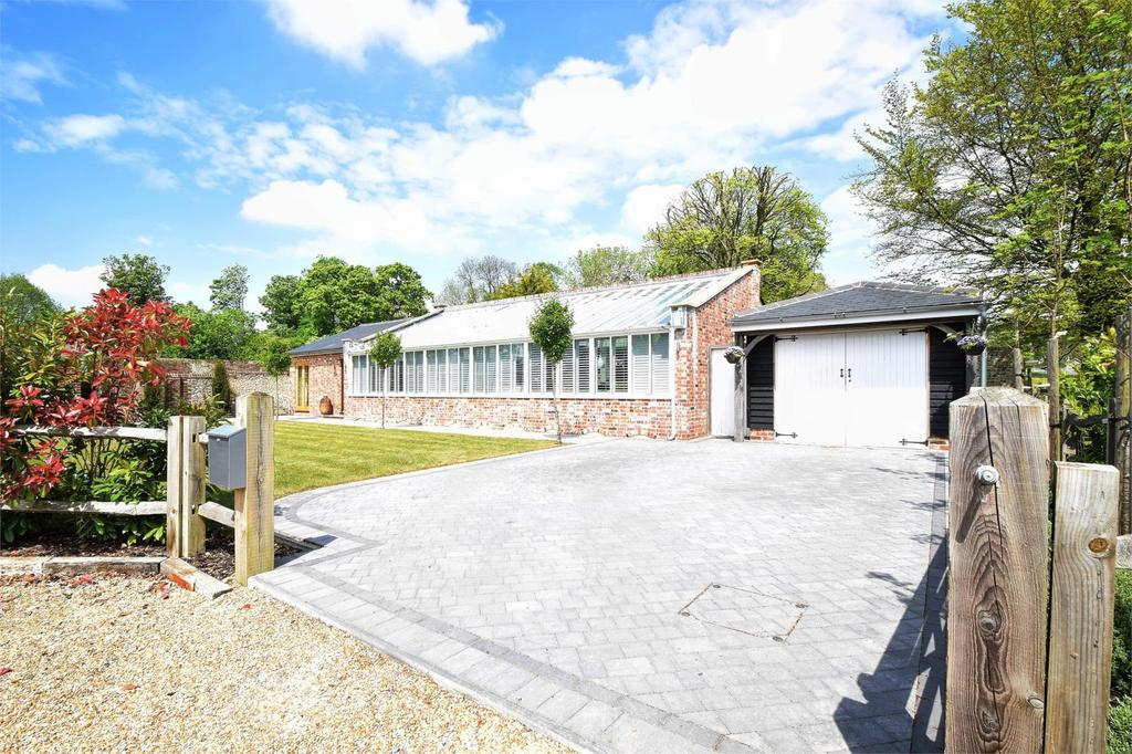 4 Bedrooms Detached House for sale in Cadlington House Estate, Blendworth Lane, Blendworth, Horndean