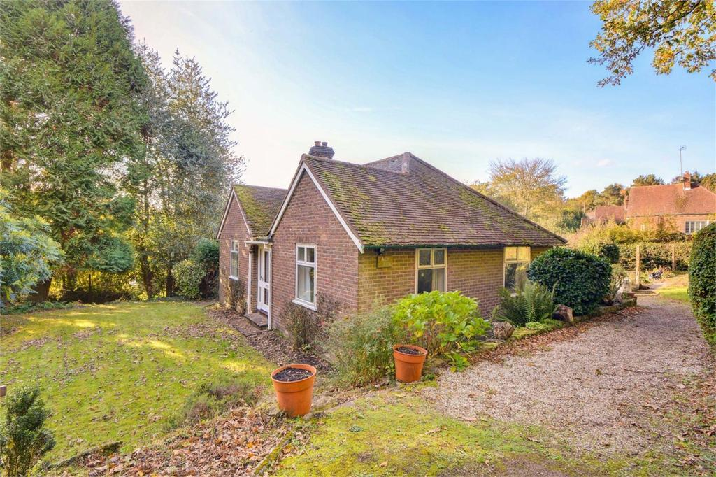 2 Bedrooms Detached Bungalow for sale in Conford, Conford, Liphook, Hampshire