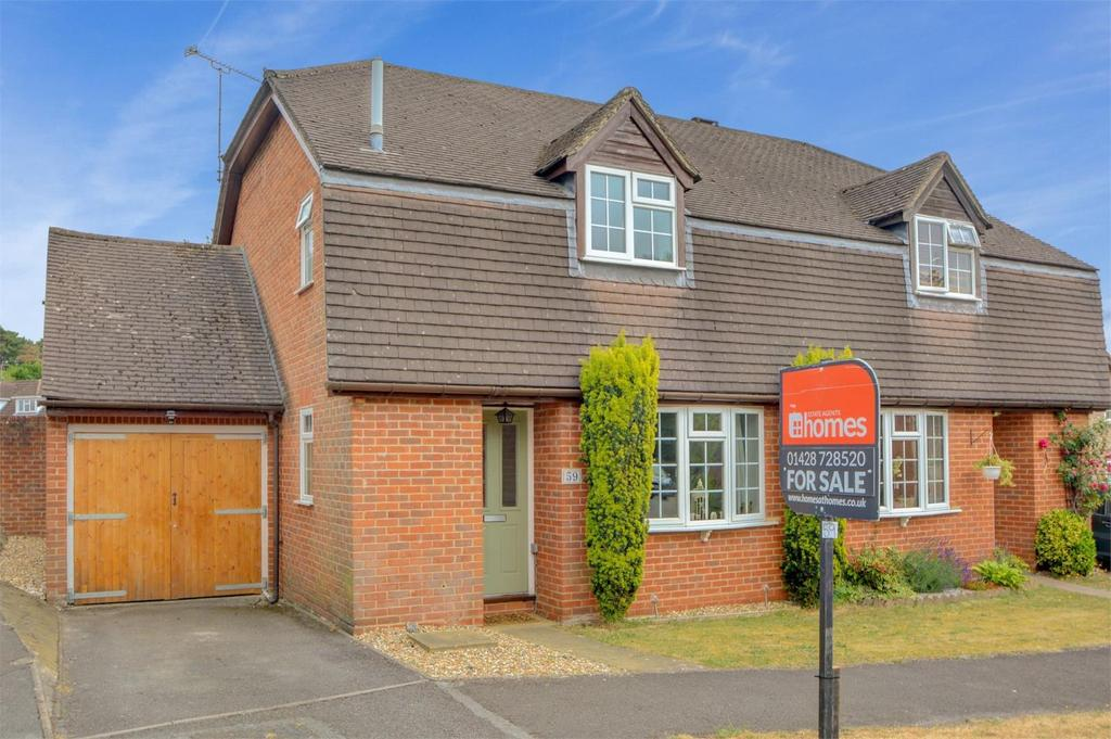 3 Bedrooms Semi Detached House for sale in St Andrews Road, Whitehill, Bordon, Hampshire