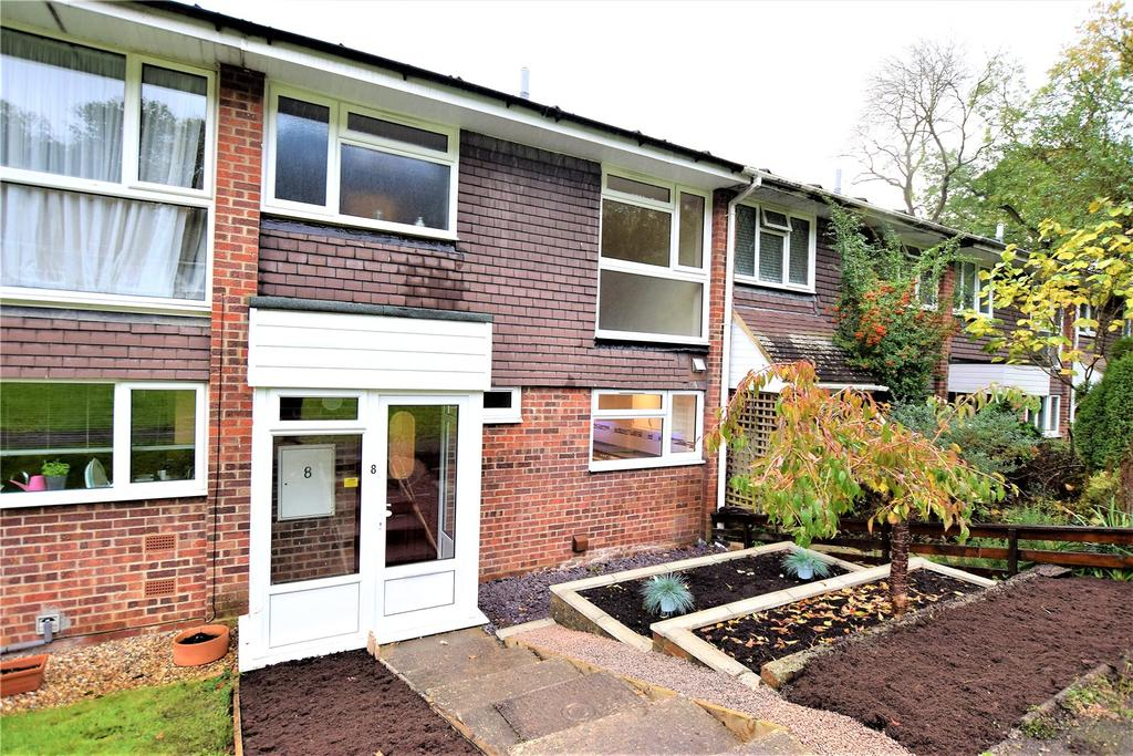 3 Bedrooms Terraced House for sale in Whitlars Drive, Kings Langley, Hertfordshire, WD4