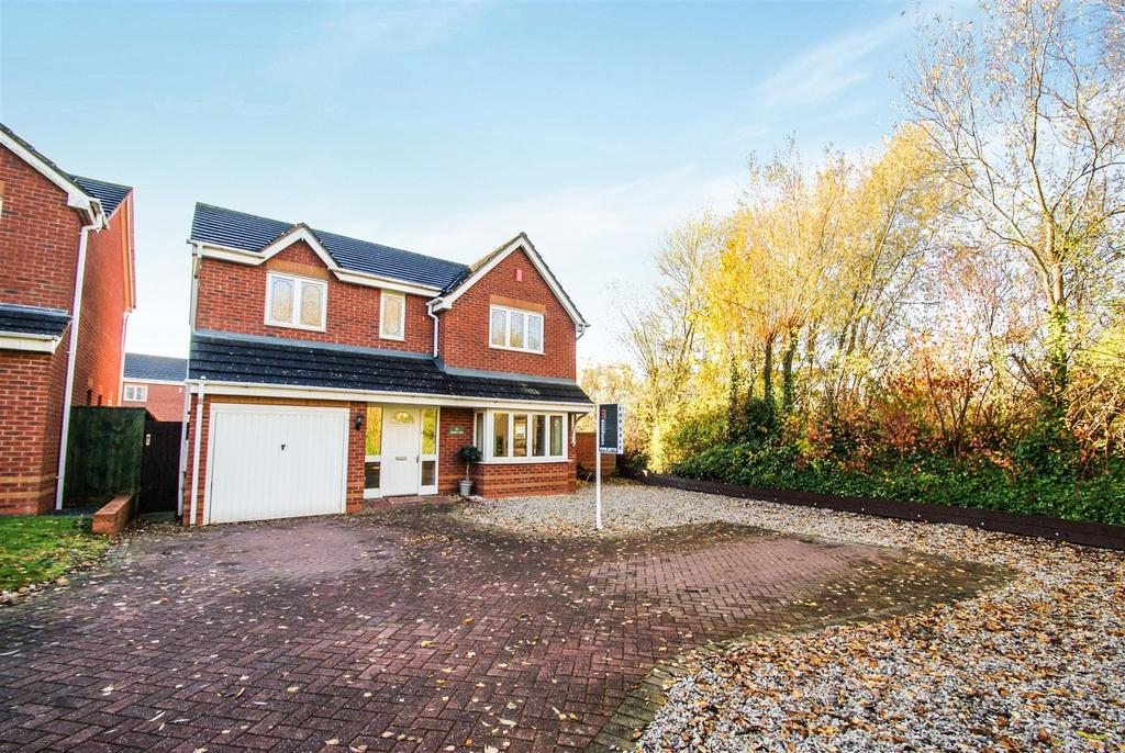 4 Bedrooms Detached House for sale in Bushy End, Heathcote, Warwick