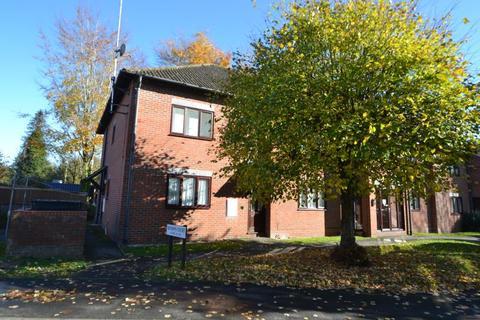 2 bedroom maisonette to rent - Bishops Court, Andover, SP10 3RX