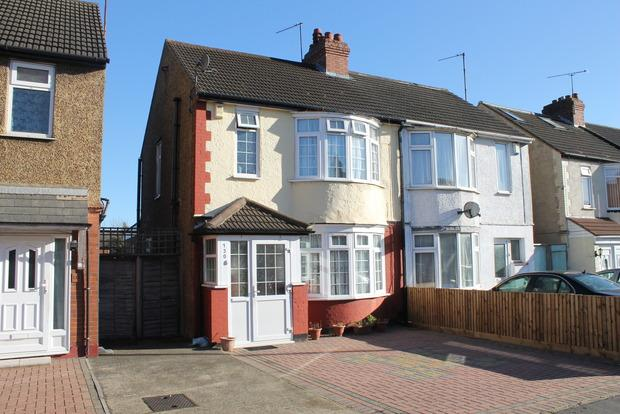 3 Bedrooms Semi Detached House for sale in Beechwood Road, Luton, LU4