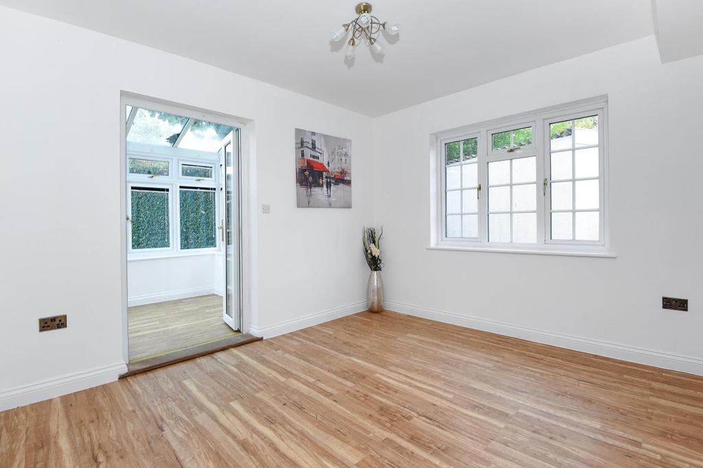 3 Bedrooms Semi Detached House for sale in Red Post Hill, Herne Hill
